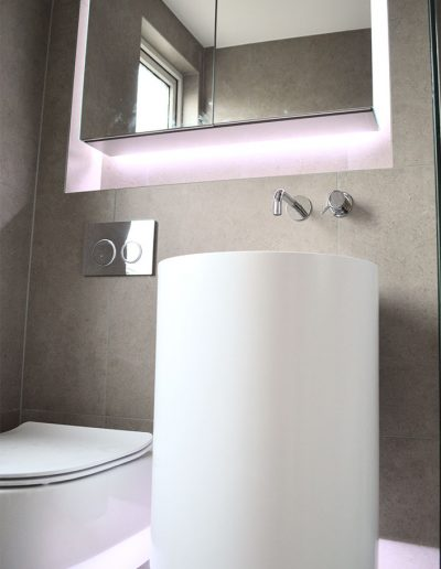 Floating sink and loo