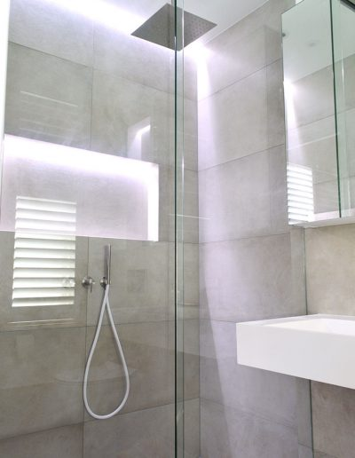 Lighting options in the shower